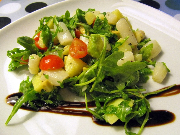 Spargelsalat mit Avocado